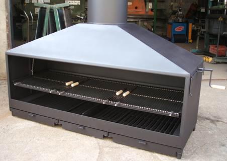 Kant en klare bbq grill op houtvuur met verticale en horizontale grill - Chimeneas grandes dimensiones ...
