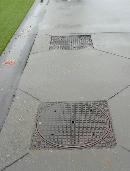 Stookolietankmangaten of putten deftig afdekken tegen regenwater met een condoomdeksel - Waterdicht wax beton ...